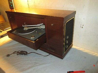 Vintage 1950's DECCA Record Player in cabinet....nice condition....