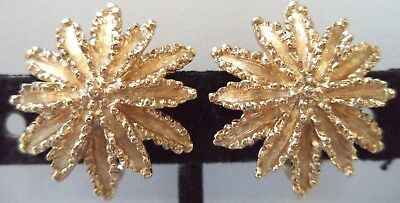 "Stunning Vintage Estate Signed Avon Gold Tone Flower 1"" Clip Earrings!!! 1829K"