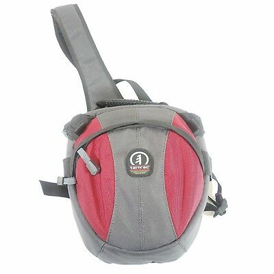 Red TAMRAC SLR DSLR CAMERA BAG 3 compartment velocity 6x one shoulder sling A1