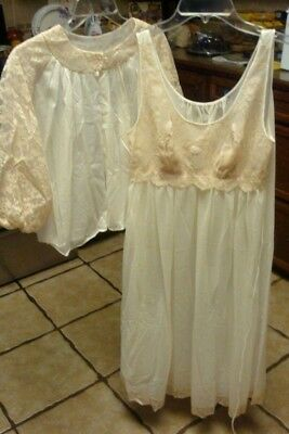 vtg VANITY FAIR  Gown and BED JACKET Nylon Lace Lingerie Gown sz 32 S-M cream