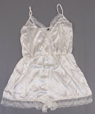 b00c9e4dd5 BOOHOO WOMEN S LEXI Satin Cami And Eyelash Lace Short Set SN2 Cream ...