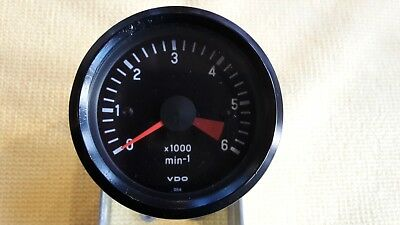 VDO 52mm V8 LAND ROVER COCKPIT TACHOMETER 12v 0-6000 RPM - REV COUNTER - N.O.S.