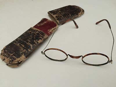 old pair of glasses mount without glass with his case boxes 1900 1920 1925