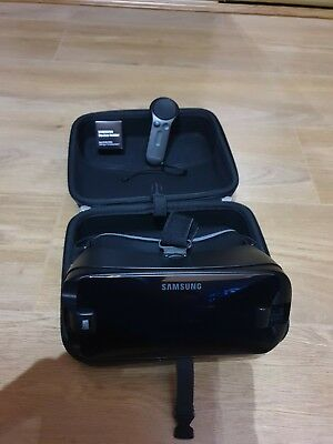 Samsung SM-R325 Gear VR with Controller Headset + Galaxy Note9 adapter and case
