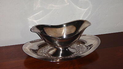 TOWLE CONTESSINA Embossed Silverplate Gravy/Sauce Boat with attached underplate