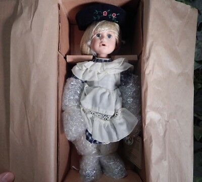 """Boyds Bears #4818 Yesterday's Child Doll """"Leslie & Nibbles....Milk & Cookies"""""""