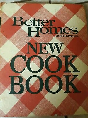 Vintage 1974 Better Homes And Gardens New Cook Book Red White Binder Hardcover