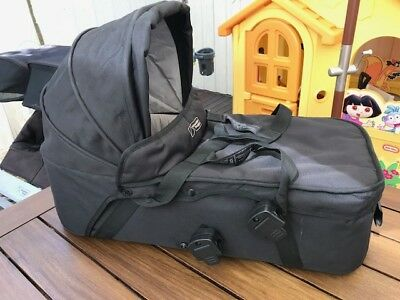 Mountain Buggy Carrycot / Bassinet - excellent condition - suits duo buggy