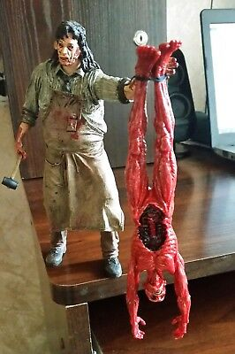 Neca Texas Chainsaw Massacre: The Beginning Leatherface Cult Clas. HOF S2 Figure