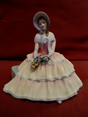 Beautiful Retired Royal Doulton Figurine Entitled Daydreams Hn1731