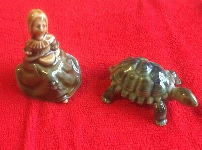 Vintage Little Miss Muffet and Tortoise Wade Whimsies