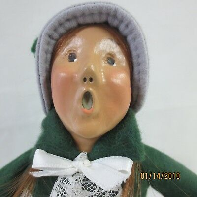 BYERS CHOICE CAROLER Cries of London Girl with Doll 1995 *