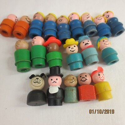 Lot of Vintage wood Fisher Price Little People 20 Piece  Lot