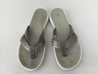 4040e8517484 Clarks Women s Brinkley Bree Sport Slip On Flip Flop Sandals Pewter  Metallic 9