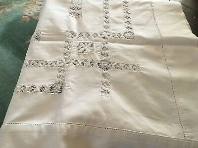 """BEAUTIFUL VINTAGE TABLECLOTH 46""""With Amazing Drawn Thread Work"""