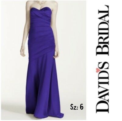 78993ddb8f6 DAVIDS BRIDAL WOMEN S Sweetheart White and Apple Red Wedding Dress ...