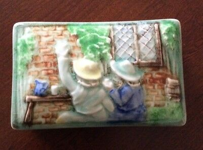 H J Wood 1950's Vintage Trinket Box Sisters Friends