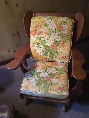 Admirable 2 Vintage Club Lounge Chairs Pair Maple Colonial Cushman Caraccident5 Cool Chair Designs And Ideas Caraccident5Info