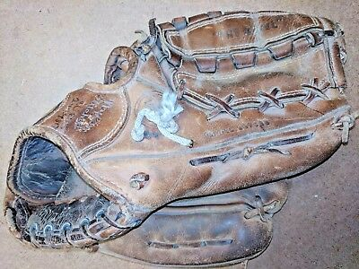 "Vintage WILSON ""THE A2001"" 10.5"" to 11.5"" Baseball Glove Right-Hand Throw"