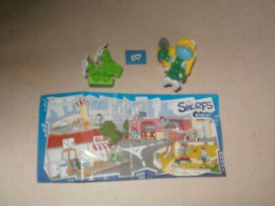 KINDER SURPRISE - Les Schtroumpfs (The Smurfs in the city) / EN401