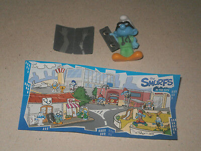 KINDER SURPRISE - Les Schtroumpfs (The Smurfs in the city) / EN429