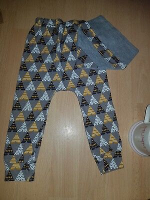 Unisex Leggings And Bib Set 6-9months
