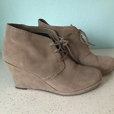 66e673b36ee8 Dolce Vita 9.5 Ankle Boots Booties Suede Lace Up Wedge Tan Gray Shoes DV  Womens