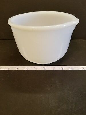 Vtg Sunbeam Mix master Bowl Glasbake Milk Glass White Small #16