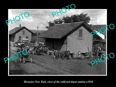 OLD LARGE HISTORIC PHOTO OF DERUYTER NEW YORK, THE RAILROAD DEPOT STATION c1910