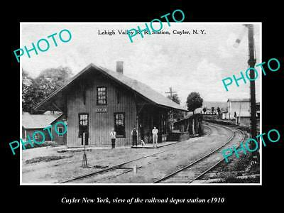 OLD LARGE HISTORIC PHOTO OF CUYLER NEW YORK, THE RAILROAD DEPOT STATION c1910