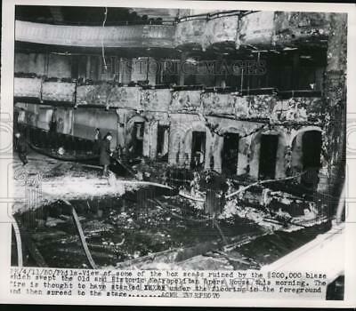 1950 Press Photo Blaze which swept the Old and Historic Metropolitan Opera House