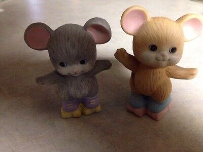 AVON SOURCE OF FINE COLLECTIBLES 1992 Mice On Skates , Pair