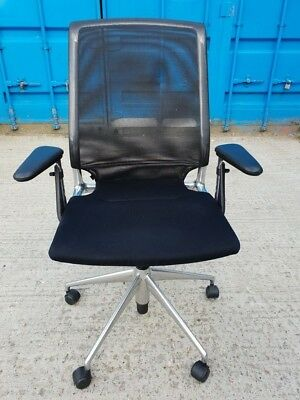 Vitra Office Chair - Operator / Fabric Seat with Mesh Back Task Chair