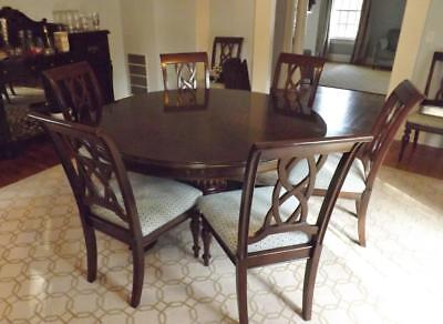 STANLEY ROUND DINING Room Table Barbados Collection 64\