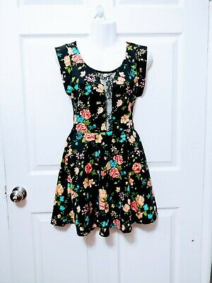 28725e8c8 JUNIORS BLACK SLEEVELESS Floral Skater Dress With Lace Back XS ...