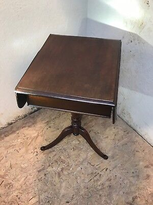 Antique Victorian 19Th Century Mahogany Occasional Tripod Table
