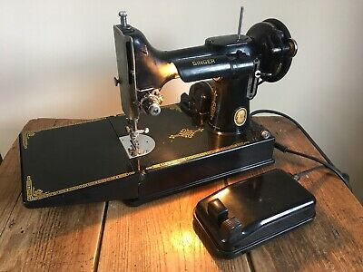 Vintage 'Singer 221k' Sewing Machine!