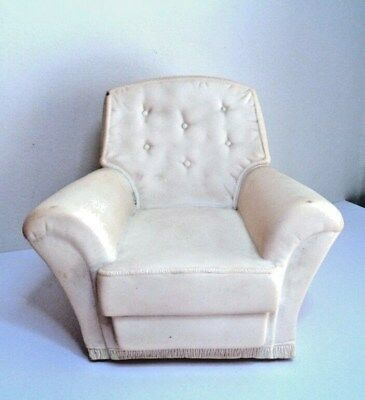 WHITE rubber ARMCHAIR SINDY VINTAGE Fashion Doll House LOUNGE furniture 1:6