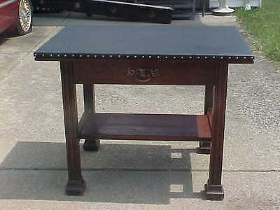 C.1900-1910 Arts Crafts Leather Top Lamp Table Desk Art Nouveau