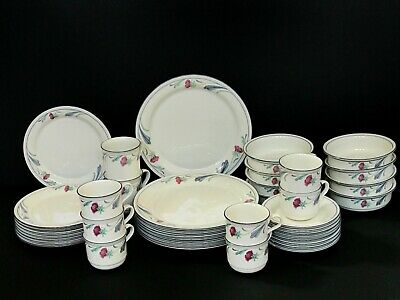 LENOX CHINA POPPIES ON BLUE pattern 63-piece set Excellent Condition FREE SHIP