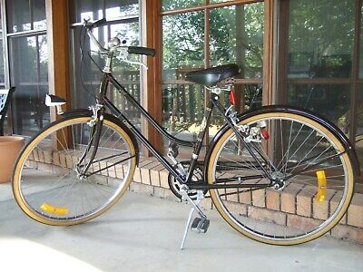 Vintage Raleigh Cameo 3-speed bicycle