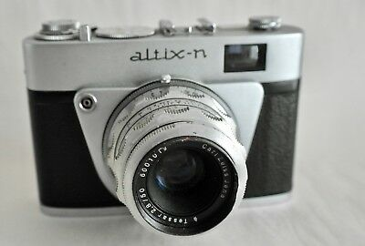 ALTIX-N 35mm. VIEWFINDER CAMERA WITH CARL ZEISS JENA TESSAR  F2.8 50 mm. LENS