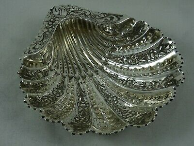 PRETTY VICTORIAN silver `SHELL` SWEET DISH, 1890, 122gm