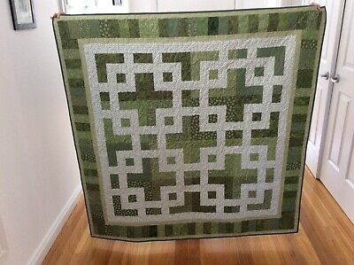Handmade patchwork Quilt. Celtic knot in green  (#79)
