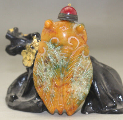 Chinese master hand carved cicada old jade snuff bottle u250