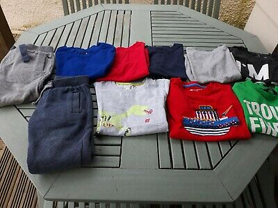 Boys clothes bundle age 2-3.  8 T shirts 2 Pairs joggers. All in good condition