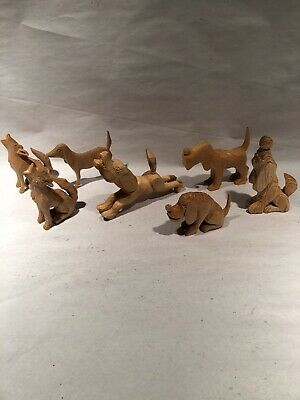 Carved wood-Dogs