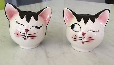 Vintage Retro Cute WINKING CATS SALT & PEPPER Shakers - MID CENTURY COLLECTABLE