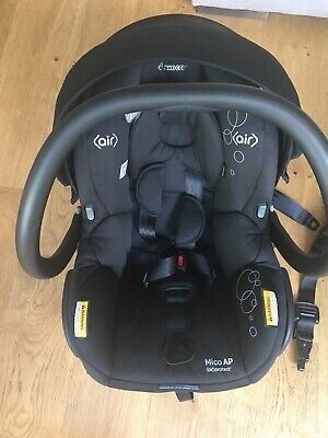 Maxi Cosi Mico AP Car Baby Capsule And Isofix Base Black