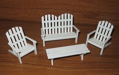 Dolls House Miniatures Garden Accessories White Bench 2 Chairs Table